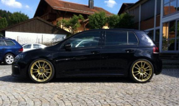 golf-schwarz-gold